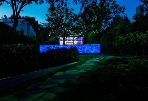 wonderful-night-view-in-house-in-the-garden-design-in-Dallas-ideas-home-concept.jpg